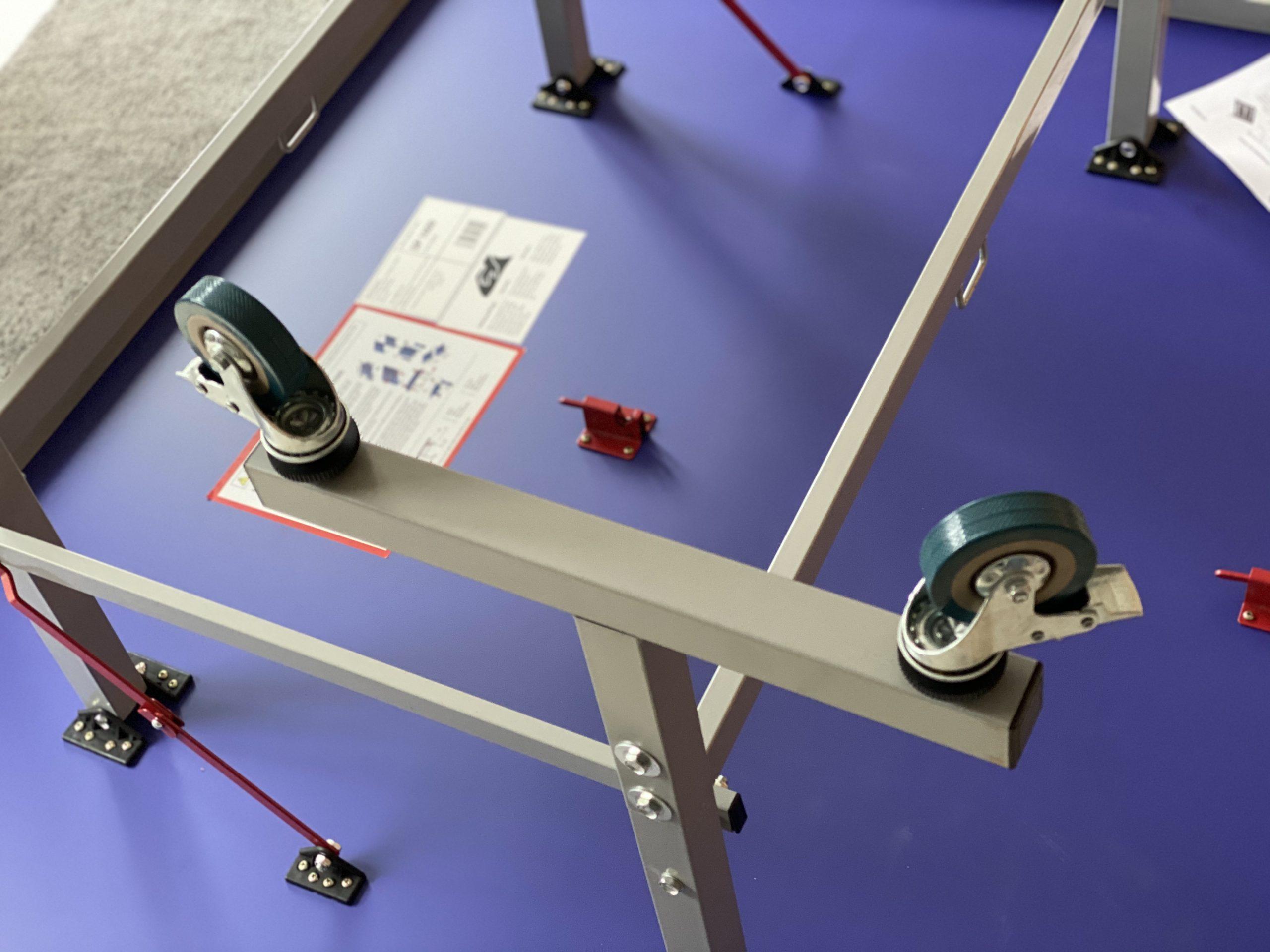 Tischtennisplatte San-Ei / Tibhar SP 1000 - Montage der Räder
