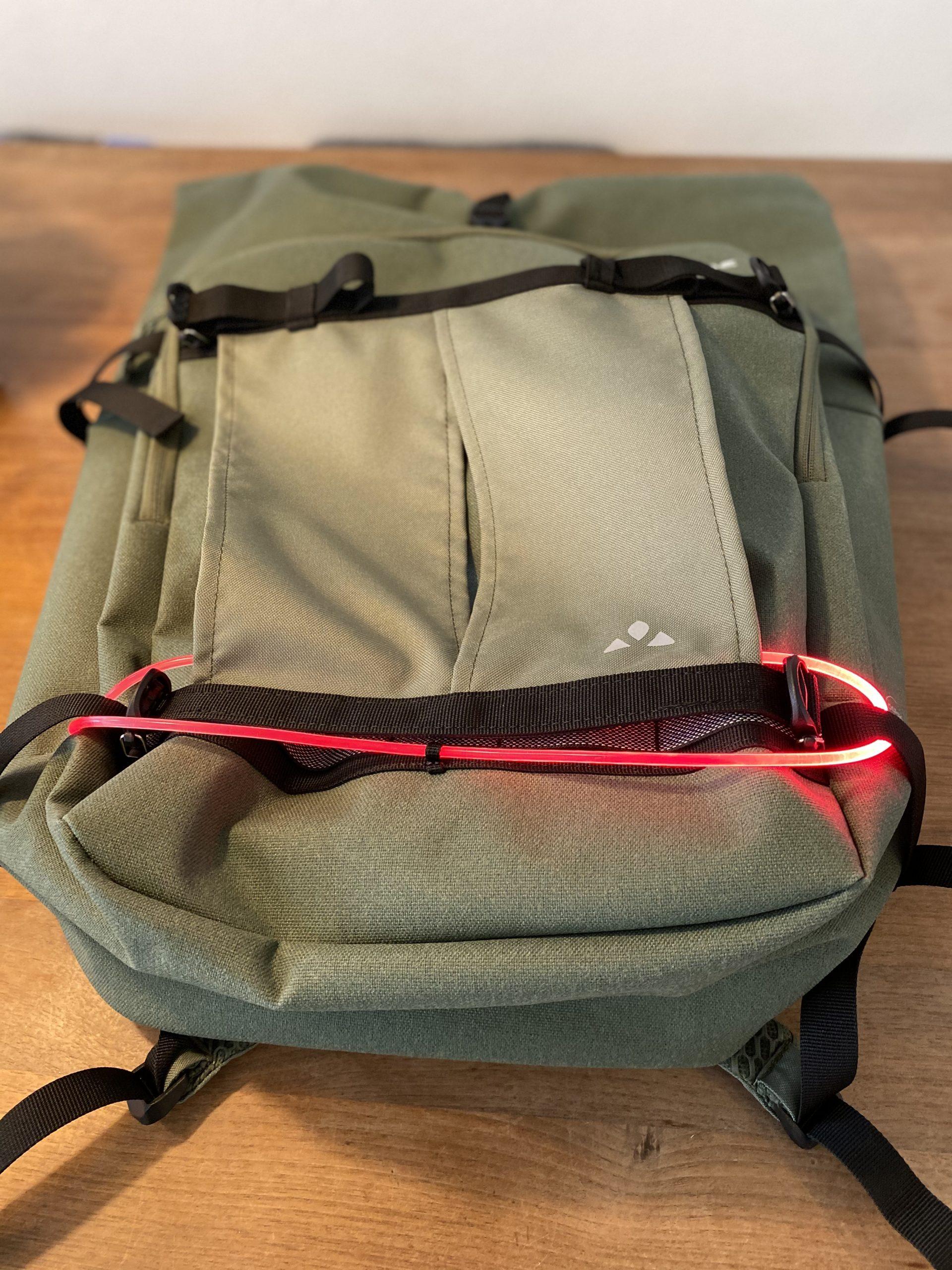 OSRAM Light Me Up Kit am VAUDE Rucksack
