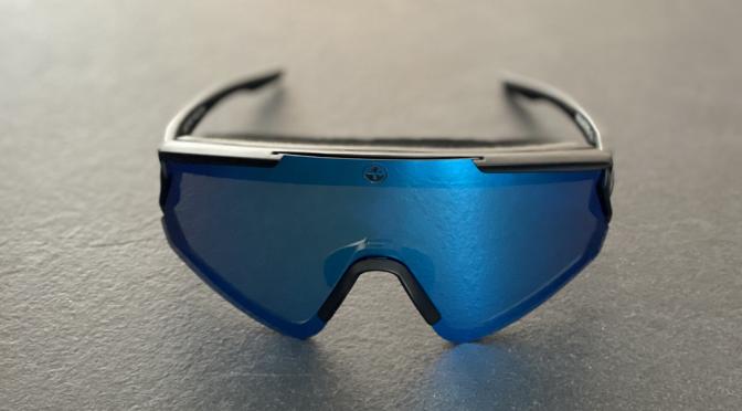 The FALCON – eine Sportbrille für das Fahrrad von Naked Optics