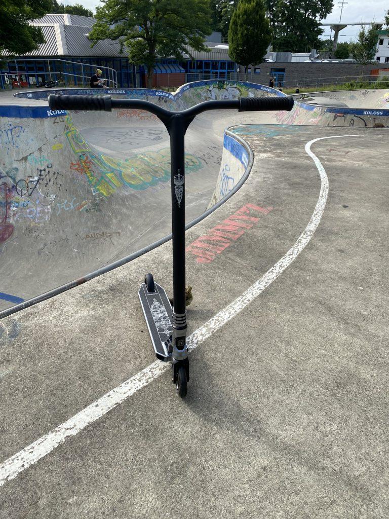 Hudora Scooter im Detail - im Skatepark